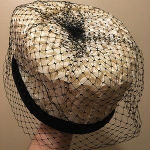 Accessories - Vintage pillbox hat